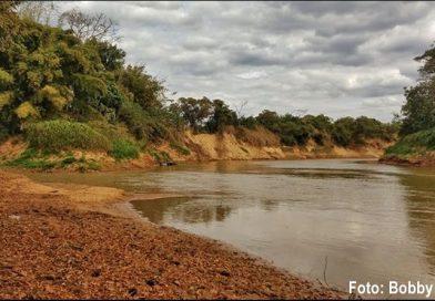Rio Santana desaguando no Rio São Francisco