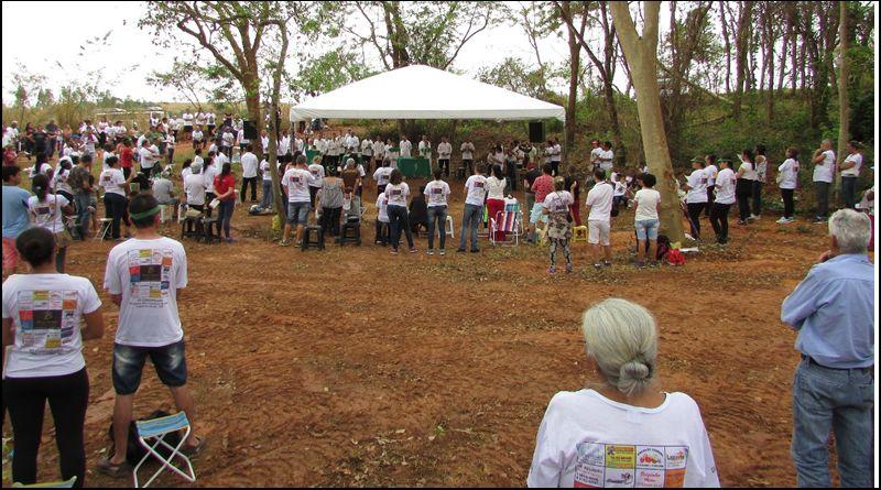 Caminhada pela Paz reúne centenas de fiéis